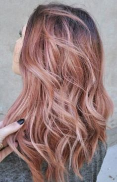 Beautiful Rose Gold Hair Color Ideas 43