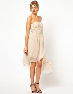 Shop Oasis Lace Bodice Bandeau Dress at ASOS. Lace Top Dress, Dress Me Up, Blush Bridesmaid Dresses Short, Bridesmaids, Bridesmaid Ideas, Bandeau Dress, Strapless Dress, Corsage, Cute Dresses
