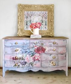 Receive excellent tips on shabby chic furniture painting. They are actually readily available for you on our site. Receive excellent tips on shabby chic furniture painting. They are actually readily available for you on our site. Decoupage Furniture, Hand Painted Furniture, Retro Furniture, Paint Furniture, Repurposed Furniture, Shabby Chic Furniture, Furniture Makeover, Cool Furniture, Furniture Ideas
