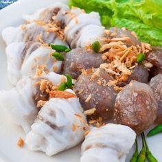 Savoury snacks and starters :  ข้าวเกรียบปากหม้อ ( Kow Griep Pag Mor) Pork Steamed Rice Parcels  + สาคูไส้หมู  (Sakoo Sai Moo) Steamed Tapioca Balls filled with Pork Recipe