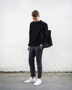 5 Best Outfits For The Minimalist At Heart 5 Minimal outfits for men fashion classy Tomboy Mode, Mode Chic, Stylish Mens Fashion, Mens Fashion Blog, Fashion Fashion, Fashionable Outfits, Fashion Ideas, Fashion Trends, Fashion Quotes