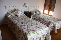 www.alojamientostezan.com · T. (+34) 689 570 046 · Ferrero · Luanco · Asturias ·…