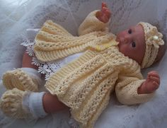 Handcrafted Designer Baby Outfits, Knitting Patterns, Beanies and Booties. Baby Knitting Patterns Free Newborn, Knitting For Kids, Crochet For Kids, Baby Patterns, Preemie Crochet, Crochet Bebe, Knit Baby Sweaters, Knitted Baby Clothes, Baby Knits
