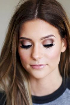There are a few different shades that is likely to make green eyes really pop. Smoky makeup works nicely with your hooded eyes, as it assists open up the eyes. You wan to learn what colors stick out in your eyes if you're a golden sort of hazel then go together with eye shadows for brown eyes.