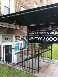 Once Upon A Crime Mystery Bookstore is conveniently located west of I-35W, south of I-94, and one block east of Lyndale at 604 W. 26th Street.