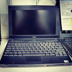 Te urge una computadora a un bajo costo? Entonces esta laptop #DELL es lo que necesitas para el día a día Ven por ella a #SERCCOM!