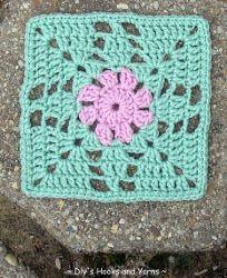 Minty Flower Square   AllFreeCrochetAfghanPatterns.com