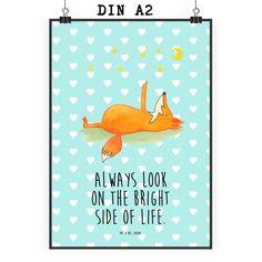 Poster DIN A2 Fuchs Sterne aus Papier 160 Gramm  weiß - Das Original von Mr. & Mrs. Panda.  Jedes wunderschöne Motiv auf unseren Postern aus dem Hause Mr. & Mrs. Panda wird mit viel Liebe von Mrs. Panda handgezeichnet und entworfen.  Unsere Poster werden mit sehr hochwertigen Tinten gedruckt und sind 40 Jahre UV-Lichtbeständig und auch für Kinderzimmer absolut unbedenklich. Dein Poster wird sicher verpackt per Post geliefert.    Über unser Motiv Fuchs Sterne  Die Fox-Edition ist eine…