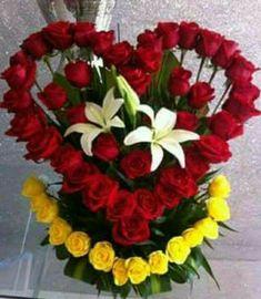 ~ Pin by Erendira Espinoza on flores Valentine Flower Arrangements, Creative Flower Arrangements, Church Flower Arrangements, Valentines Flowers, Beautiful Flower Arrangements, Floral Arrangements, Beautiful Rose Flowers, Exotic Flowers, Flower Box Gift