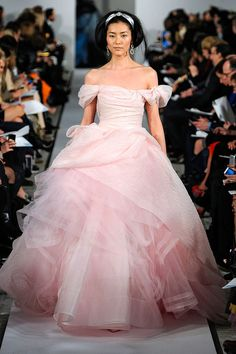Pink Gown: Oscar de La Renta Fall/Winter 2012