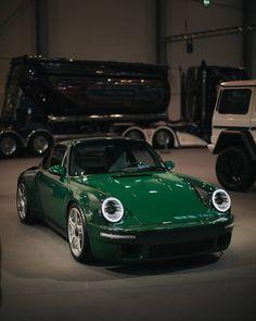 Green😎 RUF SCR means more power, less weight, more safety features a Meet Mr. Green😎 RUF SCR means more power, less weight, more safety features a. Lamborghini Logo, Lamborghini Veneno, Ferrari F40, Porsche Classic, Classic Cars, Porsche 964, Porsche Cars, Porsche 2018, Singer Porsche