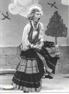"""I Love Lucy- """"I am the queen of the gypsies!"""""""