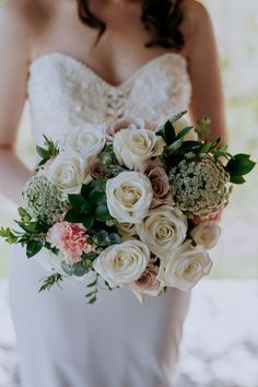 Wedding bouquet inspiration from Nicola's bridal bouquet of abundent whtie and soft pink roses. Created by Willa Floral Design, captured beautifully by Ava Me Photography at Enzo's weddings, Hunter Valley. #pokolbinwedding #2022weddings #luxurywedding #whiterose #modernweddingdress #bridebouquet White Roses, Pink Roses, Floral Wedding, Wedding Flowers, Hunter Valley Wedding, Bride Bouquets, Wedding Couples, Luxury Wedding, Ava
