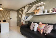 Prateleiras Criativas: 60 Ideias Modernas e Tutoriais DIY Boconcept, Ikea, Cat Tree, Cat Furniture, Shelter, Toddler Bed, Couch, Interior Design, Home Design