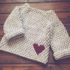 Автор @natasha_burzhinskaya Ставим лайк;) Вам не трудно, автору приятно!  Лучшие работы с ХЕШТЕГОМ #crochet_relax попадут в ленту  Если вы автор, вы должны знать, что ваше фото может быть доработано. Если вам не нравится пишите.Удалим  Стильные свитера, кофты, пуловеры, связанные крючком, можно найти по тегу #cr_свитер.