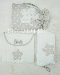 set nascita: fasciatoio, sacchetto cambio, borsello per salviette e pannolini. Facebook Creativity Lissy Baby Box, Baby Knitting, Baby Dress, Nursery, Embroidery, Creative, Handmade, Gifts, 1