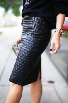 cool quilted leather pencil skirt: a perfect basic for a smart or business casual look #workwear #officefashion Lulu's