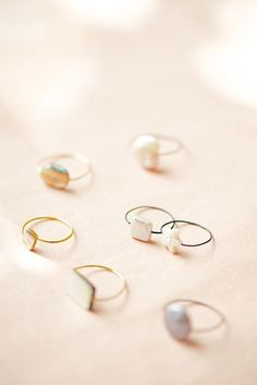 super cute wire and pearl bead rings with superglue. wire ring tutorial by Lebenslustiger.com, Anleitung für einen Drahtring mit Perle