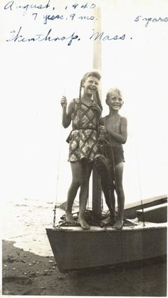 Silvia Plath, Anne Sexton, Story Writer, American Poets, Cool Photos, Amazing Photos, Writers Write, Playwright, Love Reading