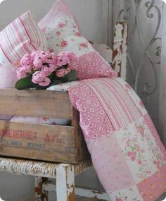 Ana Rosa  |  pink and white quilt