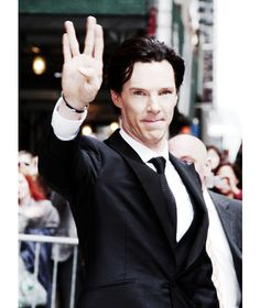 """Haha I love Benedict so much, but am I the only one who cringes and mutters to self: """"That's not how you do it!!!"""" whenever he does the Vulcan salute? Haha"""