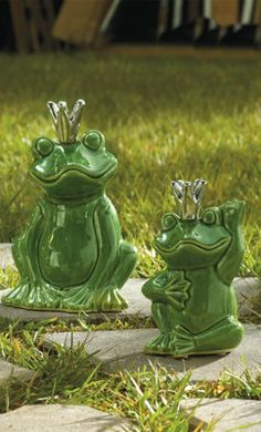 Charming Frogs Graden Decor.