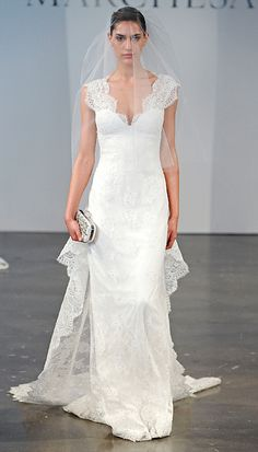 Marchesa Spring 2014: Corded lace column
