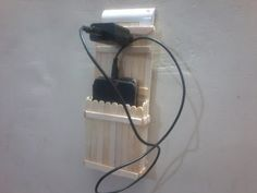 DIY: How to make charging holder for mobile using ice cream sticks or Popsicle sticks Popsicle Stick Crafts For Adults, Diy Popsicle Stick Crafts, Ice Cream Stick Craft, Diy Phone Stand, Stick Art, Popsicles, Diy Home Crafts, Cute Crafts, Mobile Stand