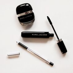 Marc Jacobs Beauty Highliner Gel Eye Crayon DetailsMake a bold statement with this extreme-wear, waterproof eyeliner. Like a gel pot eyeliner encased within a crayon, this breakthrough formula is exclusive to Marc Jacobs Beauty: a super-malleable gel eyeliner glides on smoothly for a flawless, precise application, then sets in place for all-day wear. A built-in sharpener helps mold product into a perfect point for an instantly sharp look. How To Use : When using, blend quickly – once product…
