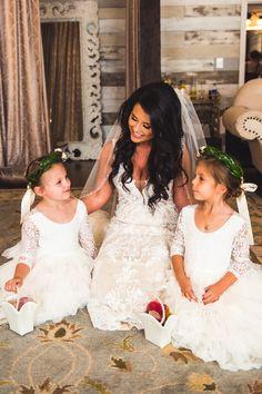 Rustic x Chic Barn Wedding | Big Sky Barn | Houston Texas Wedding | Alex Cross Photography Wedding Venues Texas, Barn Wedding Venue, Big Sky Barn, Best Barns, Bridal Suite, Houston, Flower Girl Dresses, Rustic, Chic