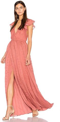 THE JETSET DIARIES Getaway Maxi Dress Inspired by the need for luxe bohemian pieces for the modern nomad's wardrobe. Buy Dress, Wrap Dress, Dress Up, Dress Ootd, Lace Dress, Fashion Sale, Teen Fashion, Stylish Dresses, Fashion Dresses
