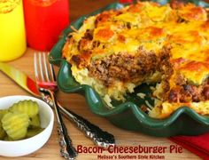 There is nothing more American than a cheeseburger. Except maybe an apple pie. which must have been the inspiration for this Bacon Cheeseburger Pie from Cheeseburger Pie, Beef Dishes, Food Dishes, Main Dishes, Potato Dishes, Pasta, Meat Recipes, Cooking Recipes, Casserole Recipes