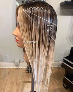 Hair Cutting Techniques, Hair Color Techniques, Colored Hair Tips, Colored Curly Hair, Balayage Hair Blonde, Brown Blonde Hair, Balayage Hair Tutorial, Hair Color Formulas, Honey Hair