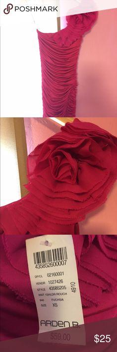 Arden B Dress One shoulder, cinched side pink dress. I'm 5'8, the dress is just below the knee on me. Arden B Dresses One Shoulder