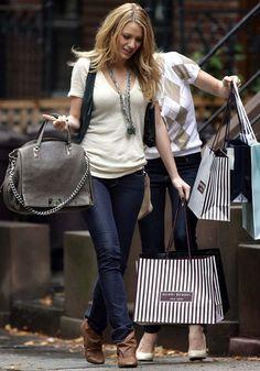 "GGS2: Serena Van der Woodsen carrying Celine ""Watch Me Work"" bag"