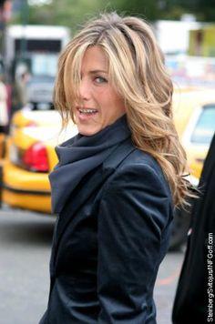 Jennifer Aniston beautiful layers. I love her hair.