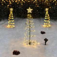 The Holiday Aisle® Ornaments in Snow Garage Door Mural & Reviews Spiral Christmas Tree, Potted Christmas Trees, Christmas Tree Decorations, Christmas Ornament, Outdoor Christmas, Christmas Hats, Christmas Wood, Retro Christmas, Christmas Ideas