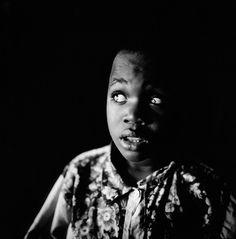 Tim HETHERINGTON :: Untitled, 1999–2003 [From the series Inner Light: Portraits of the Blind, Sierra Leone, 1999-2003]