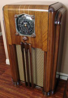 Old Time Radio, Antique Radio, Jukebox, Radios, Antiques, Electronics, Vintage, House, Woodworking Tools