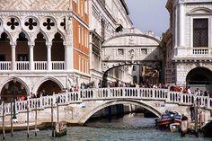 Ponte della Paglia & Ponte dei Sospiri (Bridge of Sighs), Venice Places To See, Places Ive Been, Rialto Bridge, Venice Italy, 16th Century, Beautiful Places, World, Dan Brown, Prison
