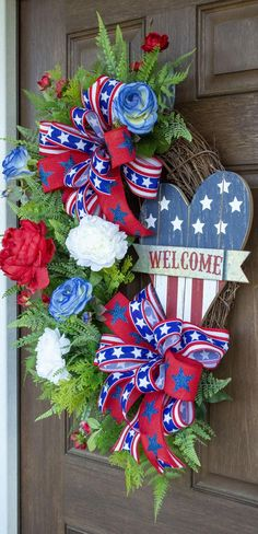 Memorial Day Decorations, Memorial Day Wreaths, Patriotic Wreath, Patriotic Crafts, 4th Of July Wreaths, Patriotic Images, Wreath Crafts, Stenciling, How To Make Wreaths
