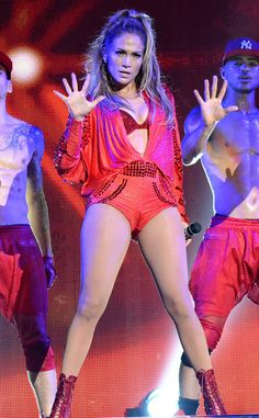 JENNIFER LOPEZ The superstar performer began her career as a Fly Girl on In Living Color and also worked as a backup dancer for fellow diva Janet Jackson. Jennifer Lopez, Janet Jackson, I Love Girls, Hot Girls, Celebrity Gossip, Celebrity News, Superstar, Jennifer's Body, Girl God