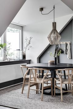Dining Room Inspiration: 10 Scandinavian Dining Room Ideas You'll Love Small Dining Room Furniture, Dining Room Design, Living Room Decor, Living Area, Small Living, Modern Living, Dining Rooms, Dining Room Table Centerpieces, Dining Chairs
