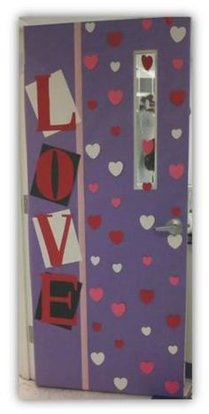 valentine classroom door Barkett Barkett Perigo -in case we don't do the mailbox! Door Bulletin Boards, Valentines Day Bulletin Board, Valentine Theme, Valentines Day Decor Classroom, School Door Decorations, Class Decoration, Kindergarten Decoration, Toddler Classroom, Classroom Door