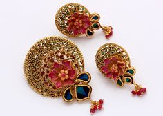 Pendant Set Real Gold Jewelry, Gold Jewelry Simple, Gold Jewellery Design, Antique Jewellery, Women's Jewelry Sets, India Jewelry, Women Jewelry, Jewelry Shop, Gold Pendent