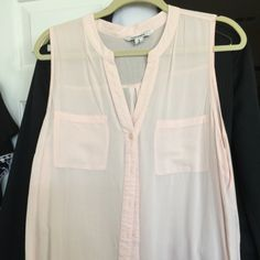 Sleeveless top Light Pink XL Sleeveless top Light Pink XL Old Navy Tops Blouses