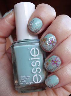 Essie - Fashion Playground (mit Blumen-Muster)