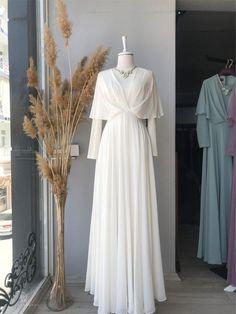 Muslimah Wedding Dress, Muslim Wedding Dresses, Bridesmaid Dresses, Hijab Evening Dress, Hijab Dress Party, Prom Dresses Long With Sleeves, Simple Dresses, Kebaya Dress, Muslim Women Fashion