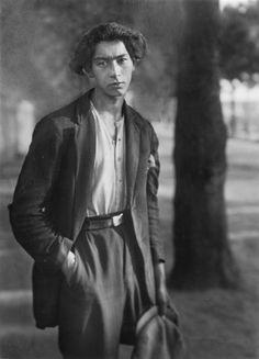 "thenewloverofbeauty:  ""Gypsy by August Sander  (1930)  """