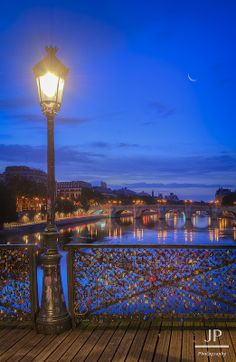 Blue Hour in Paris - Pont des Arts Places Around The World, Oh The Places You'll Go, Places To Travel, Places To Visit, Around The Worlds, Beautiful Paris, Beautiful World, Oh Paris, Paris Night